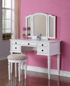 Vanity Set With Table